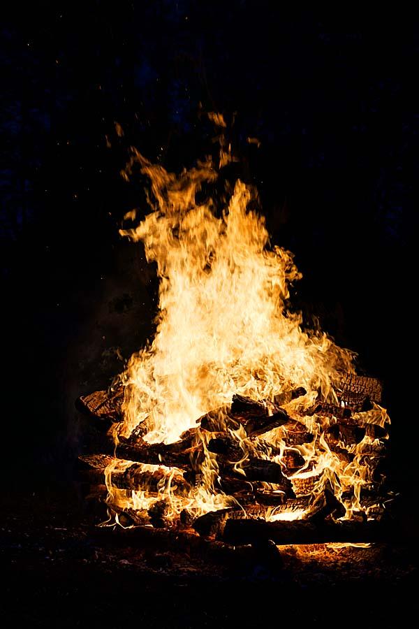 Feblissa Feuer GoldenCircle 600x900