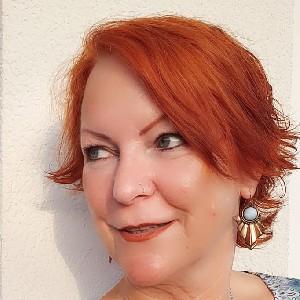 Golden Circle Member - Holly Dostal