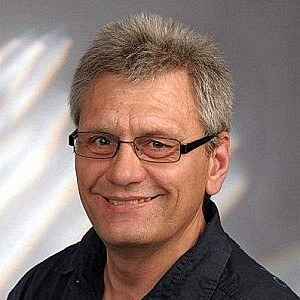 Uwe Heidbüchel-Portrait-300-300 bei EYVA.life